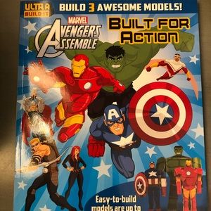 Super Heroes Storybook with Models to build!